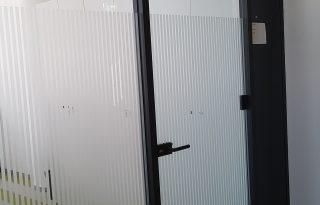 Steklene stene in vrata