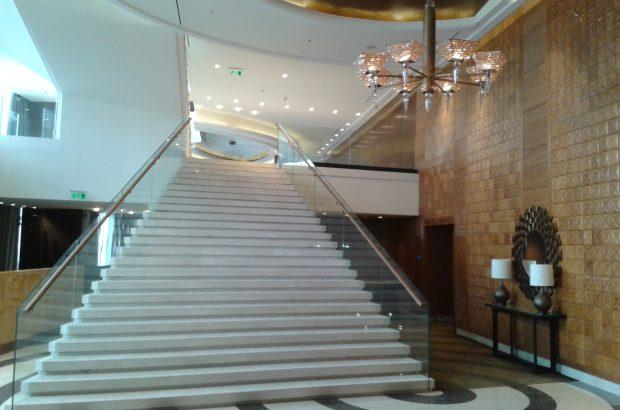 Luksuzni hotel s petimi zvezdicami, Almaty, Kazahstan